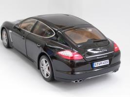 Прикрепленное изображение: Porsche Panamera Turbo (5).JPG