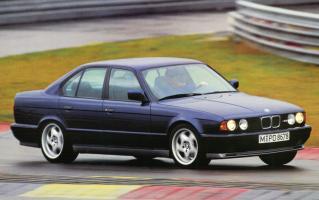 Прикрепленное изображение: e34-bmw-m5-on-nurburgring.jpg