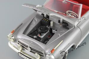 Прикрепленное изображение: Borgward Isabella Cabriolet Revell 08411_09.JPG
