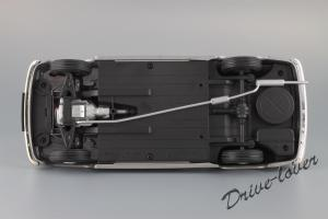 Прикрепленное изображение: Borgward Isabella Cabriolet Revell 08411_10.JPG
