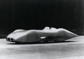 Прикрепленное изображение: mercedes-benz-w-125-driven-by-rudolf-caracciola-1938.jpg