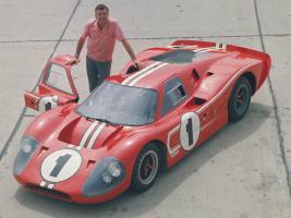 Прикрепленное изображение: 1967_Ford_GT40_Mark_IV_Carroll_Shelby.jpg