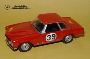 Прикрепленное изображение: 68. 1963 W113 230SL #39 Bohringer (2).JPG