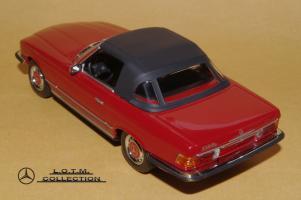 Прикрепленное изображение: 81. 1971 R107 350SL Softtop (Minichamps) (3).JPG