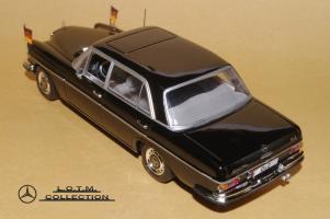 Прикрепленное изображение: 77. 1968 W109 300SEL 6.3 Willy Brandt (Minichamps) (3).JPG