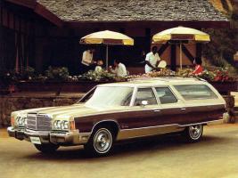 Прикрепленное изображение: Chrysler Town & Country 1976.jpg