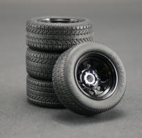Прикрепленное изображение: gmp-1-18-cragar-soft-8-wheel-tyre-set-black-g1800165-2-2115-p.jpg
