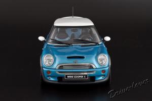 Прикрепленное изображение: Mini Cooper S Autoart 74841_04.jpg