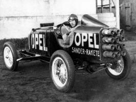 Прикрепленное изображение: 1928_Opel_Rak1_-_race_car_002_4110.jpg