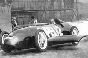 Прикрепленное изображение: Opel_RAK_2_rocket_car_at_Avus_1928_01.jpg