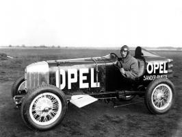 Прикрепленное изображение: 1928_Opel_Rak1_-_race_car_001_3781.jpg