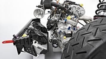 Прикрепленное изображение: skoda-motorsport-fabias2000-rezy-slide-03_201406151945.jpg