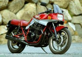 Прикрепленное изображение: Suzuki GSX 1100SBE Katana 87.jpg