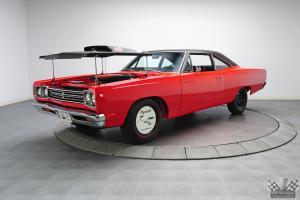 Прикрепленное изображение: 1969 Plymouth Road Runner 440+6 Coupe 1.jpg