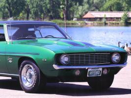 Прикрепленное изображение: 1969_Chevrolet_Camaro_Yenko_SC_L_72_427_Sport_Co_upe_Green_Rt_Frt_Qtr_Clip.jpg