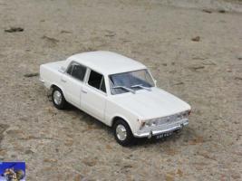 Прикрепленное изображение: Polski Fiat 125P_0-0.jpg