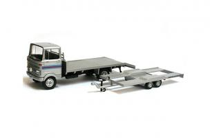 Прикрепленное изображение: Mercedes LP 608 Tow truck Martini.jpg