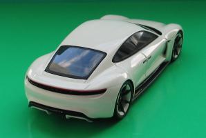 Прикрепленное изображение: Porsche Mission E-02.jpg