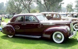 Прикрепленное изображение: Packard 180 LeBaron Sport Brougham 1941.jpg