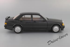 Прикрепленное изображение: Mercedes-Benz 190 E 2,3-16V Autoart for Mercedes-Benz B6 604 0578_04.JPG