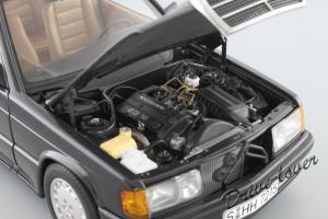 Прикрепленное изображение: Mercedes-Benz 190 E 2,3-16V Autoart for Mercedes-Benz B6 604 0578_12.JPG