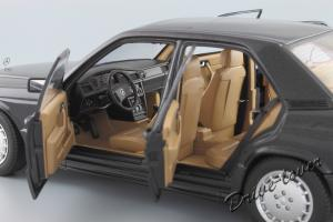 Прикрепленное изображение: Mercedes-Benz 190 E 2,3-16V Autoart for Mercedes-Benz B6 604 0578_11.JPG