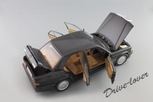 Прикрепленное изображение: Mercedes-Benz 190 E 2,3-16V Autoart for Mercedes-Benz B6 604 0578_09.JPG