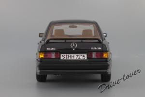 Прикрепленное изображение: Mercedes-Benz 190 E 2,3-16V Autoart for Mercedes-Benz B6 604 0578_06.JPG