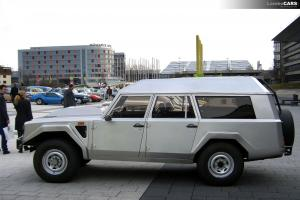 Прикрепленное изображение: Lamborghini LM002 Estate - 1986.01.jpg