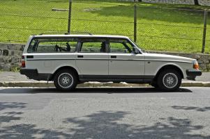 Прикрепленное изображение: Volvo 240GL Polar - 1988.11.jpg