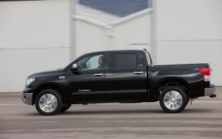 Прикрепленное изображение: Toyota Tundra Crewmax Pick Up.02.jpg