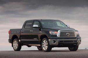 Прикрепленное изображение: Toyota Tundra Crewmax Pick Up.03.jpg
