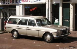 Прикрепленное изображение: Mercedes-Benz 220 Binz (W115) Station Wagon - 1974.01.jpg