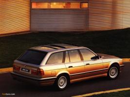 Прикрепленное изображение: BMW 530i Touring (E34) - 1992.06.jpg