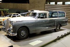 Прикрепленное изображение: Mercedes-Benz-Museum_2015-01_by-RaBoe_156.jpg