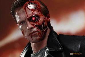 Прикрепленное изображение: Kollektsionnaya-figurka-Terminator-Povrezhdennyj-v-boyu-T-800_3.jpg