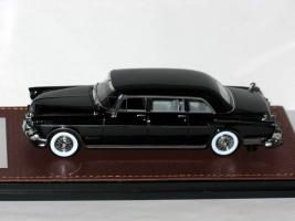 Прикрепленное изображение: Imperial Le Baron C70 Limousine 1956 003.JPG