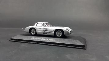 Прикрепленное изображение: Mercedes 300 SLR (3).jpg