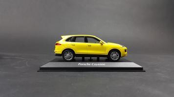 Прикрепленное изображение: Porsche Cayenne 2014 (5).jpg