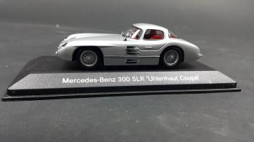 Прикрепленное изображение: Mercedes 300 SLR (4).jpg