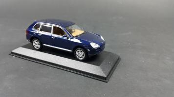 Прикрепленное изображение: Porsche Cayenne 2002 (3).jpg