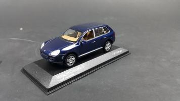 Прикрепленное изображение: Porsche Cayenne 2002 (6).jpg