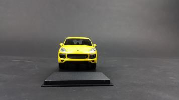 Прикрепленное изображение: Porsche Cayenne 2014 (1).jpg