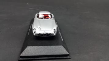 Прикрепленное изображение: Mercedes 300 SLR (1).jpg