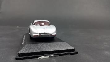 Прикрепленное изображение: Mercedes 300 SLR (7).jpg