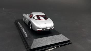 Прикрепленное изображение: Mercedes 300 SLR (6).jpg