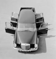Прикрепленное изображение: Mercedes-Benz-Typ-600-Pullman-Limousine-6-Tueren-aus-dem-Jahre-1964.jpg