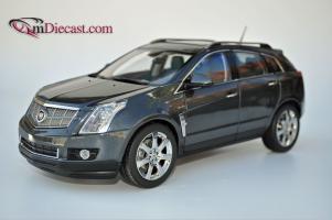 Прикрепленное изображение: Cadillac-SRX-Kyosho13.jpg