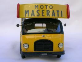 Прикрепленное изображение: OM LEONCINO UFFICIALE ASSISTENZA CORSE MOTO MASERATI 1953_2.jpg