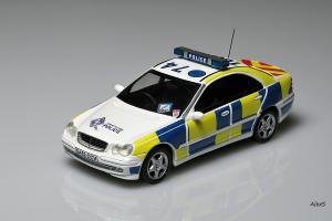Прикрепленное изображение: Mercedes-Benz W203 2000 Sedan Strathclyde Police Code 3.jpg